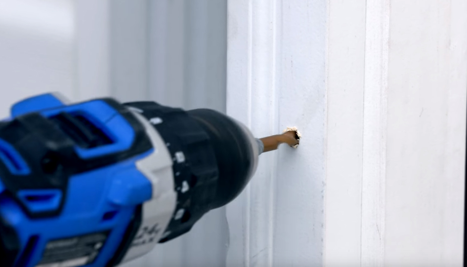 Oakville Door Closers & Hinges Repair